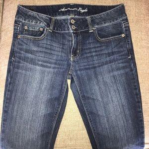 EUC American Eagle Stretch Artist Jeans Size 8 L.